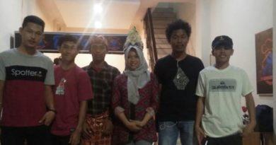 Kunjungan Oki: Pemuda Bajau Mola Selatan ke Media Center Bajau Indonesia